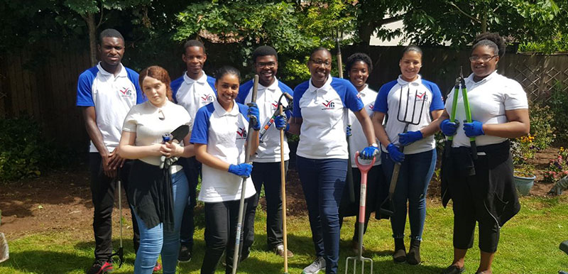 Leeds VYG helps clean up MHA communal gardens
