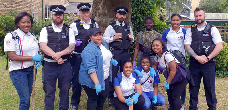 Kilburn VYG helps local Police Officers with weapons sweep